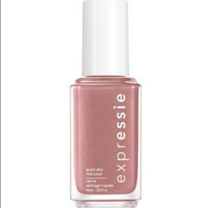 Essie Checked In